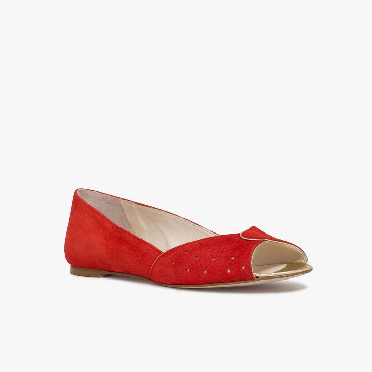 Ballerine rouge bout ouvert en cuir velours 85€
