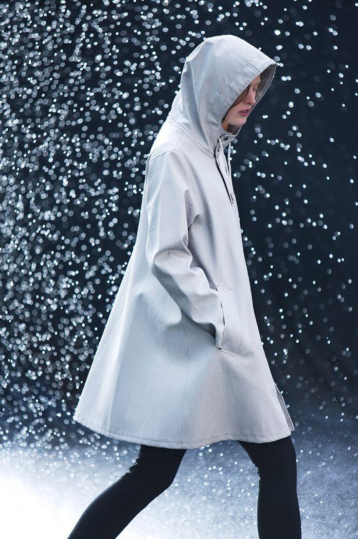 Mosebacke Women's Raincoat