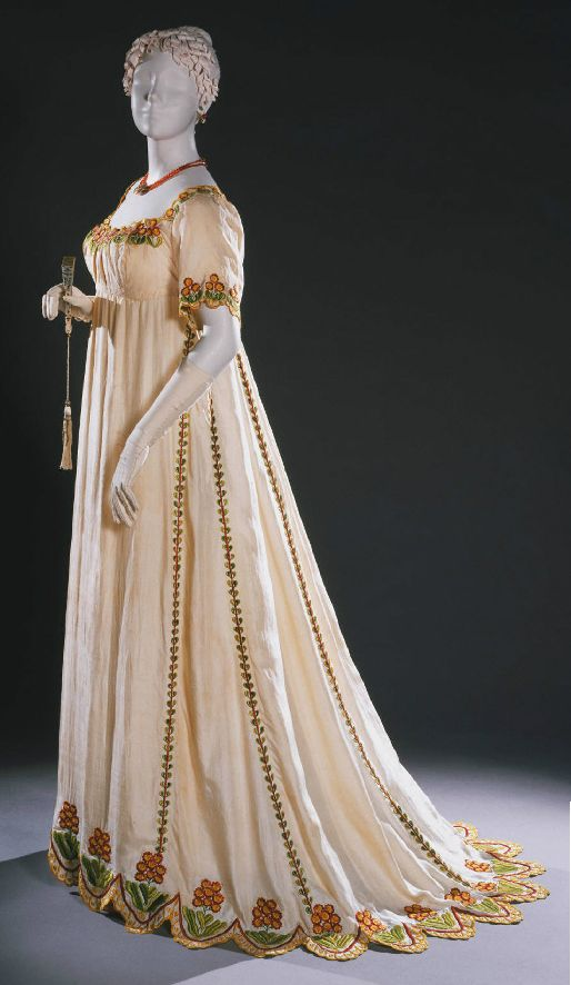 Dress ca. 1805-10---ooooh. aaaaah. The hand work along that hem...amazing.  One of my favorites.