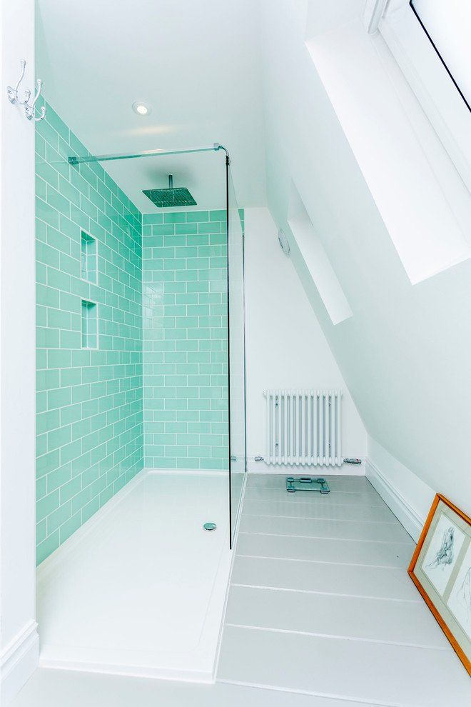 I love the walk in shower and what they did with this eaves bathroom. Love the colors, love.