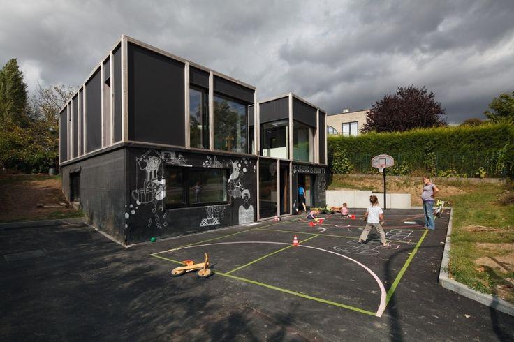 12 examples house facades tweaked art