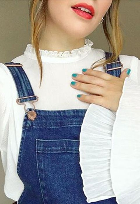 Give your fave 90s denim a v simple AW16 update with some pretty, ruffled under-layers, like this cute white blouse, complete with Victoriana high-neck and supersize sleeves
