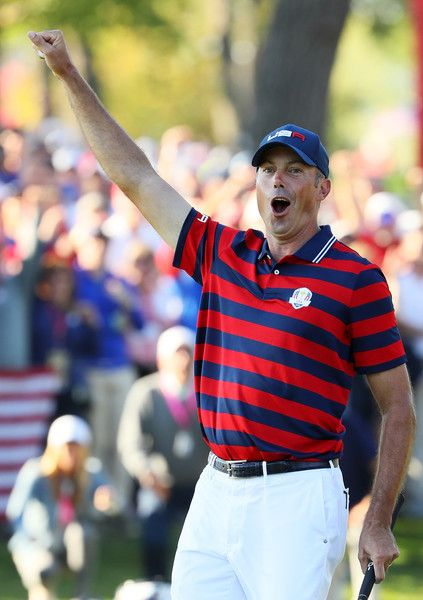 Matt Kuchar of the United States reacts after a putt on the 13th green during afternoon fourball matches of the 2016 Ryder Cup at Hazeltine National Golf Club on October 1, 2016 in Chaska, Minnesota.