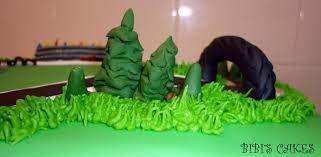 Resultado de imagen para tortas decoradas como pistas de autos