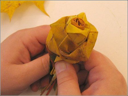 How to make roses from maple leaves | haha.nu