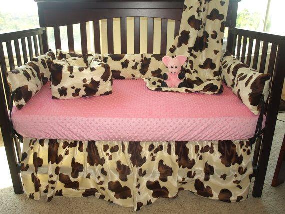4 piece crib set (bumper pad is 4 pieces but considered 1 piece): 1 bedskirt 14 drop, 1 lightweight coverlet blanket (30x45), 1 4pc bumper