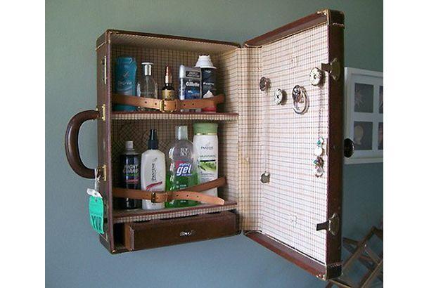 ヴィンテージ物のスーツケースを薬棚にしちゃったよ | roomie(ルーミー)