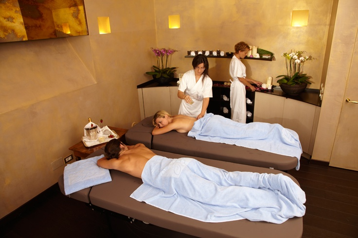 Anti-stress or regenerative massages, beauty treatments and special well-being programmes for face, body, hands and feet in a single deep  massage … even those who have little time can find something special at Villa Serbelloni SPA to reward themselves with a moment of relaxation and well-being.