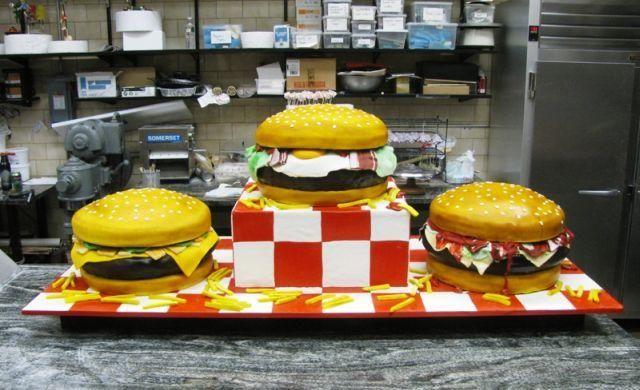 http://hk.asia-city.com/sites/default/files/imagecache/item_image/tlc_cake_boss_burgers_0.jpg
