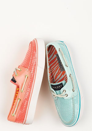 sooooo cute for spring, i want these!!!Coral, Fashion, Boats Shoes, Style, Boat Shoes, Clothing, Colors, Sequins Sperrys, Aqua