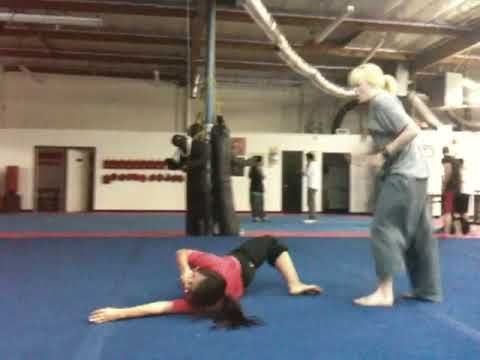 Caity Lotz knock Me (Mindy Kelly out)-Training at white lotus we were doing what we usually do.. making up fights.. and well just watch! ENJOY! hahaha.. This...