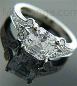 this is my dream ring! i wanted one the looked a little like cariline from the vampire diaries ring and this one does! the only thing i would do to it is in crest forever and always on the inside!