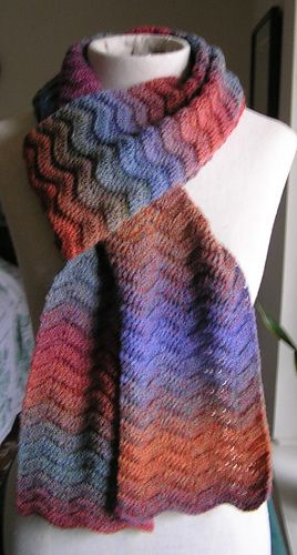 Gentle_waves_scarf_fingering_medium
