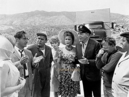 It's a Mad, Mad, Mad, Mad World, Starring: Spencer Tracy, Milton Berle, Sid Caesar, Buddy Hackett, Mickey Rooney, Jonathan Winters and Ethel Merman.