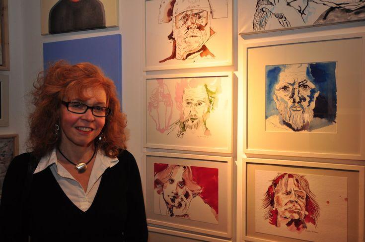 """Gestern war die Ausstellungseröffnung """"Köpfe"""" in der Werkkunstgalerie.   Es war sehr gut besucht und ich lasse heute die Fotos sprechen und wünsche euch einen schönen Nikolaustag..."""
