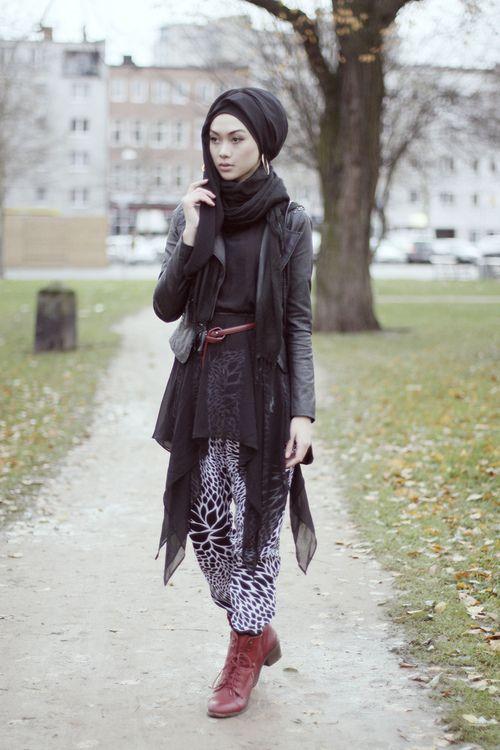 Scarf. Hijab fashion. Muslim girl fashionista.