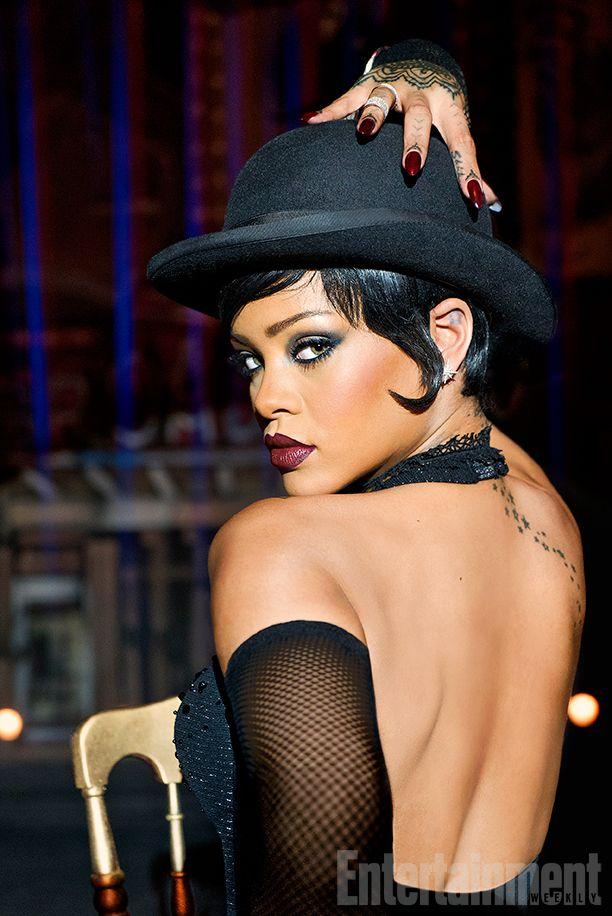 Rihanna strikes a pose for the new movie #Valerian.