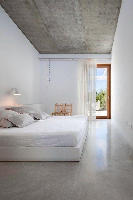 The Return of the Concrete Floor #theperfectblack> #elizabethbolognino> #interiordesign