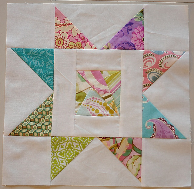 Busy Bee Quilt Designs Hip To Be Square : 17 Best images about Sewing - Stars on Pinterest Quilt, Potholders and Niagara falls