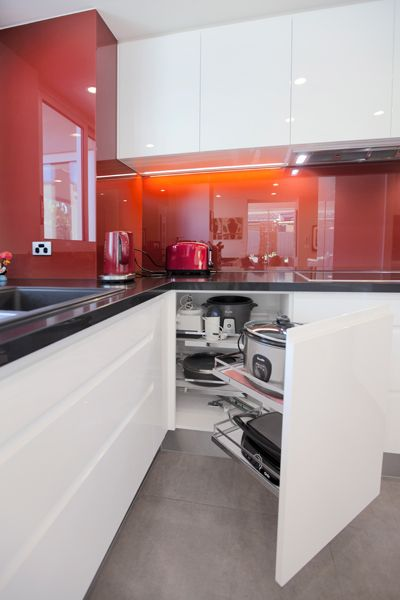 Perini - East Hawthorn Kitchen Renovation  Contact Perini Kitchens & Bathrooms, Richmond for your home renovation! (03) 9429 6399