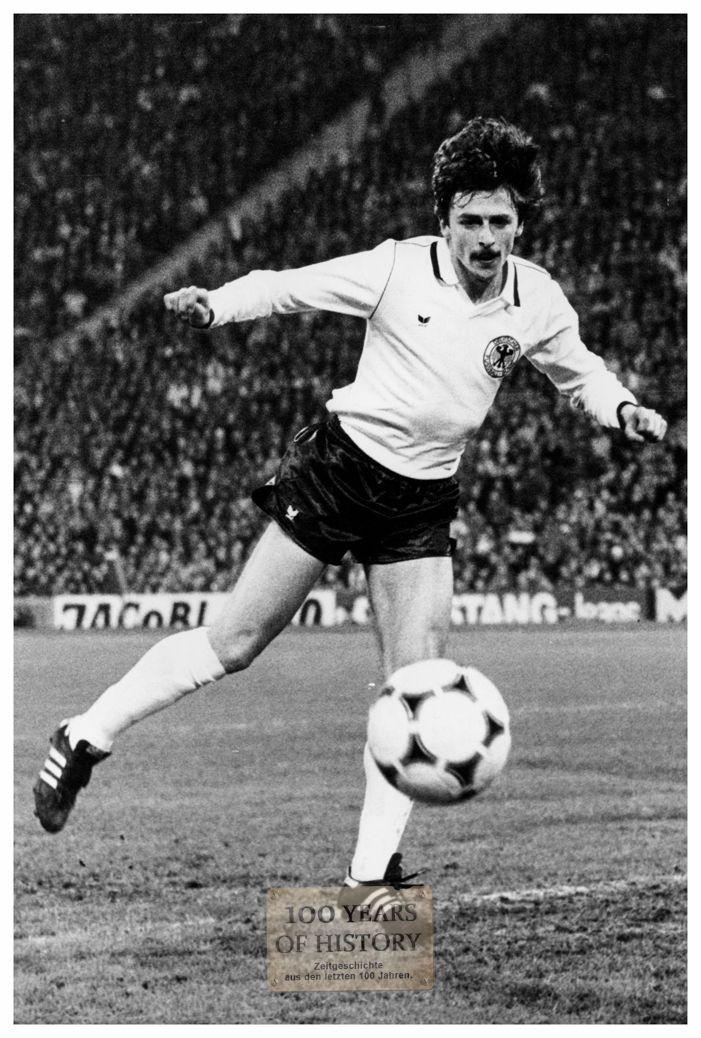 Foto 10er Format Fußball Länderspiel Deutschland Klaus Allofs (ca. 10x15cm)