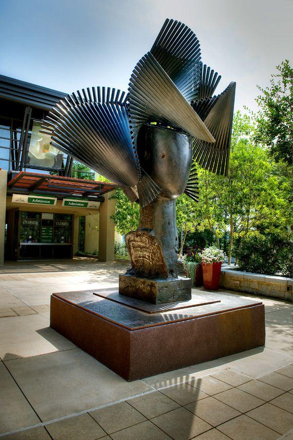 Yvonne II. Bronze. 2006. Manolo Valdés Blasco (1942 - ). Encontra-se na Galeria Marlborough, em Nova York, NY, USA.