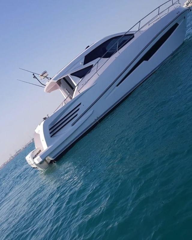 لأول مرة في البحرين تأجير اليخوت للترفية حداق جزر الدار قطعة جرادة غواصة يخت مكيف يسع لعشر أشخاص يوم كامل ساعات مع الأكل وال Instagram Video Instagram Boat