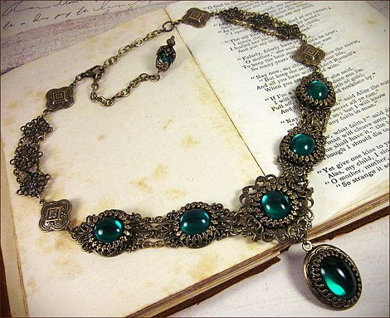 Emerald Renaissance Necklace, Customizable Medieval Costume Jewel Filigree Collar, Antiqued Brass or Silver Choker in Your Choice of Color