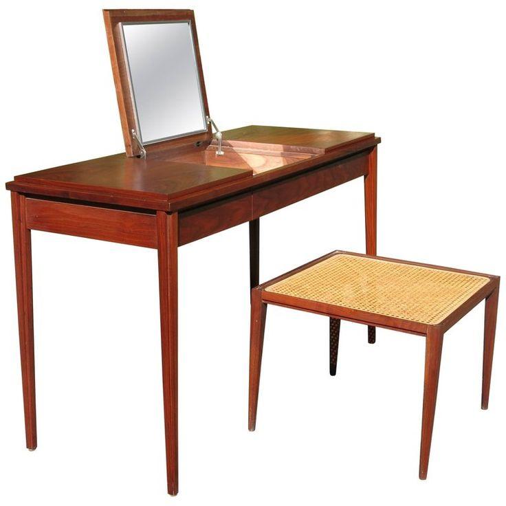 Paul McCobb Grand Rapids Collection Dressing Table Vanity | 1stdibs.com