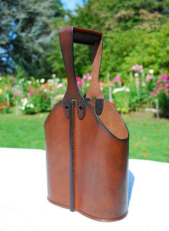 Leather Double Wine Bottle Caddy von JMcMahonDesigns auf Etsy-SR