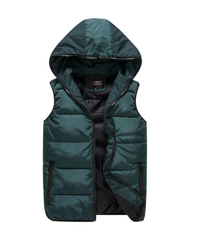 Podzimní zimní teplá pánská vesta na zip zelená – Velikost L Na tento produkt se vztahuje nejen zajímavá sleva, ale také poštovné zdarma! Využij této výhodné nabídky a ušetři na poštovném, stejně jako to udělalo …