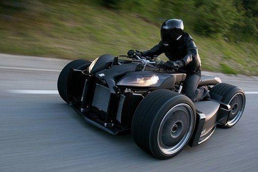 Wazuma V8 - самый дорогой в мире квадроцикл. Его стоимость достигает 170 000 фунтов, а мощность настолько велика, что ездить на нем можно только на специальных треках. Квадроцикл весом 650 кг. развивает скорость более 250 км/ч.