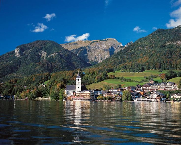 Experience both sides of Salzburg and it´s surrounding: Salzburg´s Lake district and Bavarian Salt mines with Tourboks.