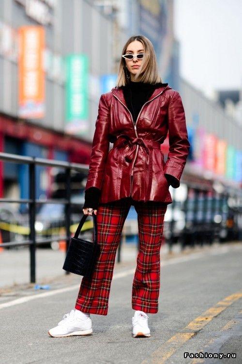 New York Fashion Week осень-зима 2018-2019 - street style   Мода ... a72ef42ce4c