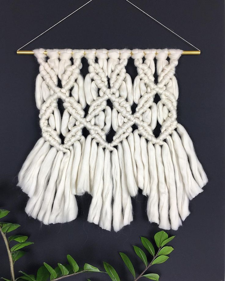 "Fluffy Macrame Wallhanging by Fluffy Friday (@fluffyfridayweaving) auf Instagram: ""Not sure if I really like the messy knots. But it was fun making. . . . . #makrame #wallhanging…"""