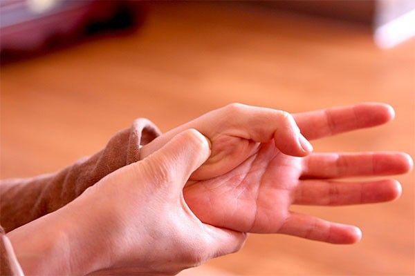ACUPRESIÓN para las cefaleas- Ayurveda Tibetano