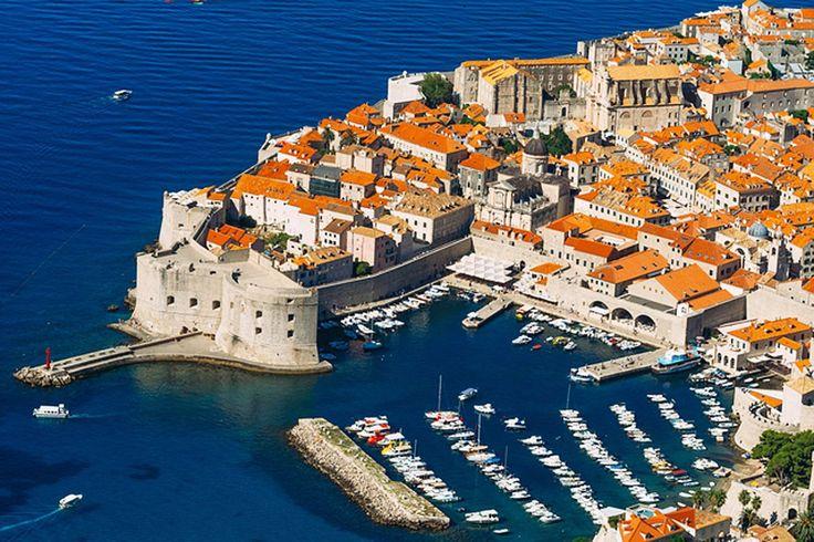 アドリア海の青さに魅了されるクロアチアドゥブロヴニクの絶景リゾート