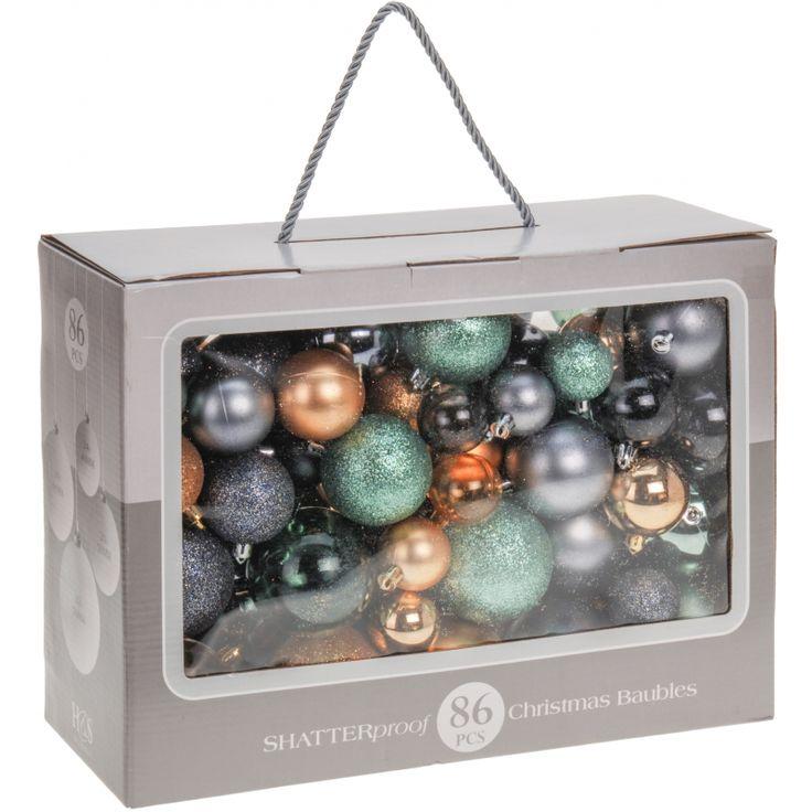 Deze kerstballen in de kleuren goud, groen en grijs zijn gemaakt van plastic en bestaan uit verschillende soorten en maten, van 4 tot 7 cm. Worden geleverd in een handige opbergdoos. 86 stuks.