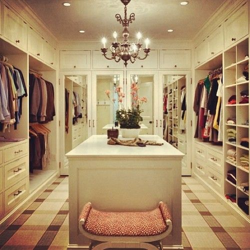 Home Decor - dream walk in wardrobe!! I need this in my life!!! Xx
