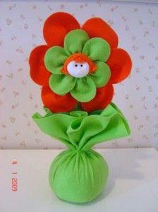 Resultado de imagem para flor de tecido peso de porta