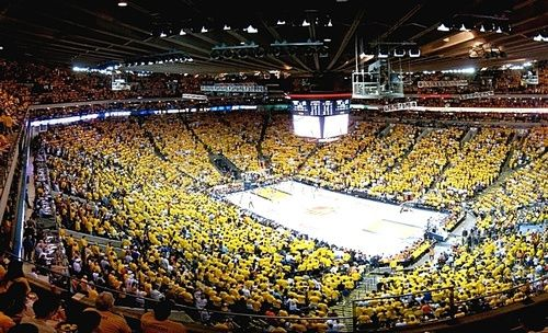 Oracle Arena: What's up everyone, this week we're checking in on Oracle Arena home of the Golden State Warriors. Oracle is the oldest NBA arena that's sti...