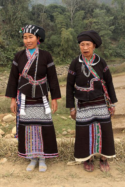 Vietnam | Lu women in traditional clothes (near Binh Lu). | © Walter Callens