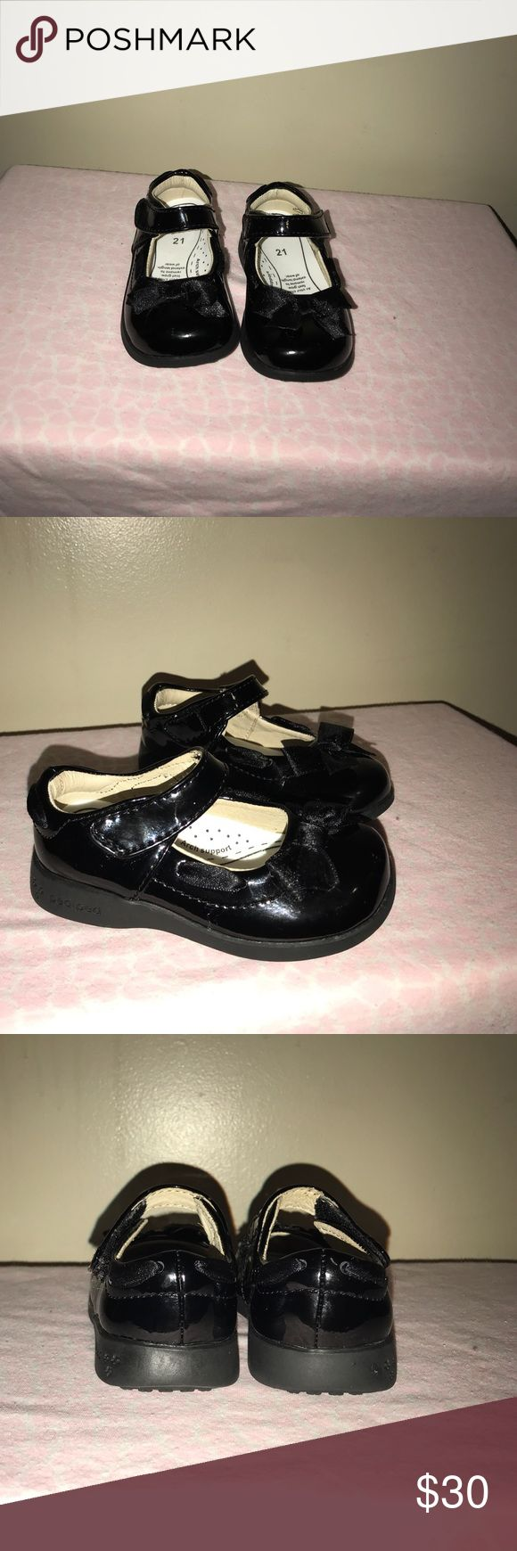 Toddler 5.5. Pediped toddler size 5.5. Worn once for Christmas for a couple of hours. Like New. pediped Shoes Dress Shoes