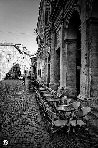 Caffé in Piazza della Repubblica, Urbino, Le Marche, Italy