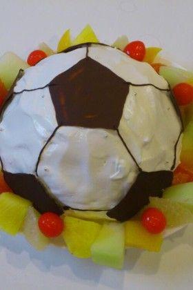 サッカーボールの誕生日ケーキ