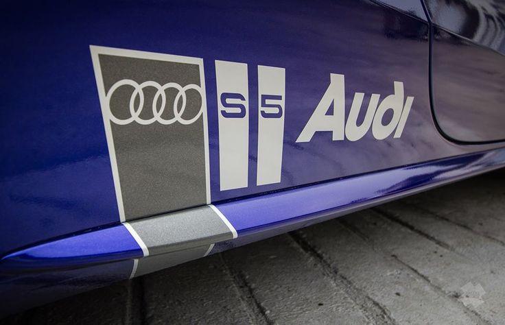 Audi S5 blue wrap - neon blue wrap + accessories - detail.