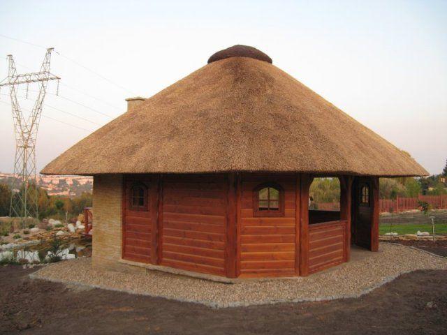 Altana drewniana (altana ogrodowa) kryta strzechą A 1