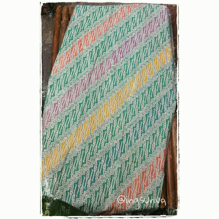 Stamped Batik, coletan.  Primissima cotton 105cm x 200cm
