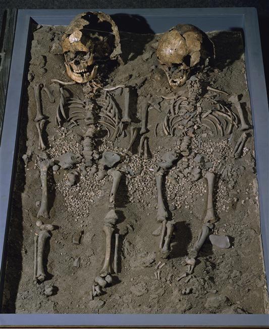 Sépulture de deux enfants | Musée archéologie nationale