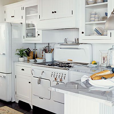 I would love to have this vintage-inspired kitchen in a low-country style farmhouse on an acreage by the river.